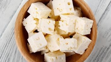 Elaboración queso costeño picado